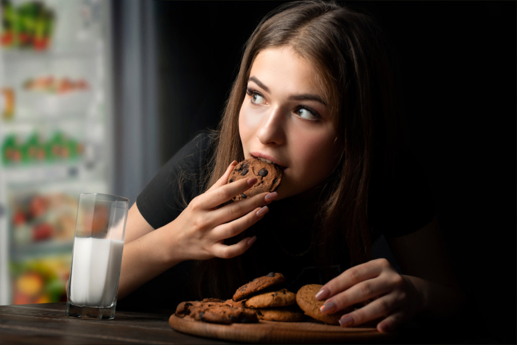 cravings rise at night in winter